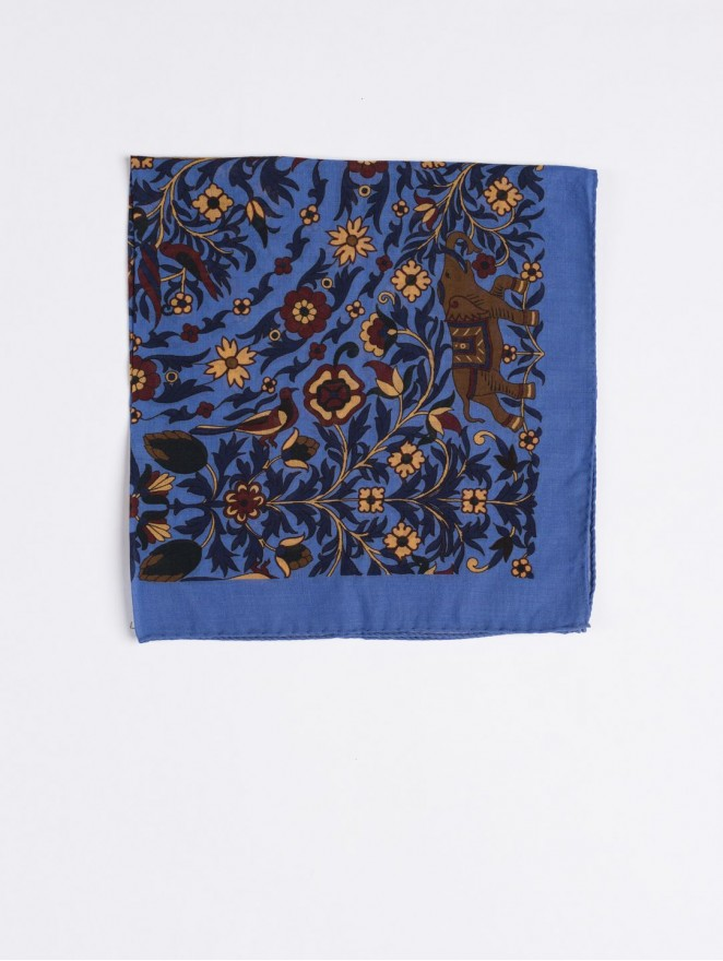 Cashmere and wool foulard with light blue flowers design