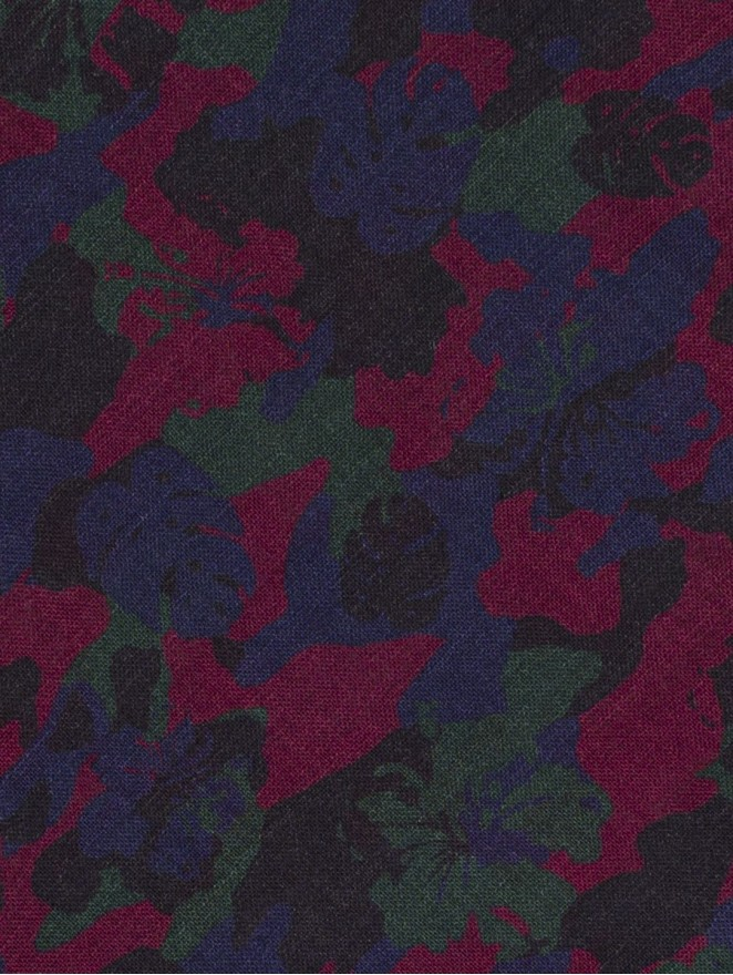Cashmere and wool foulard with camouflage design