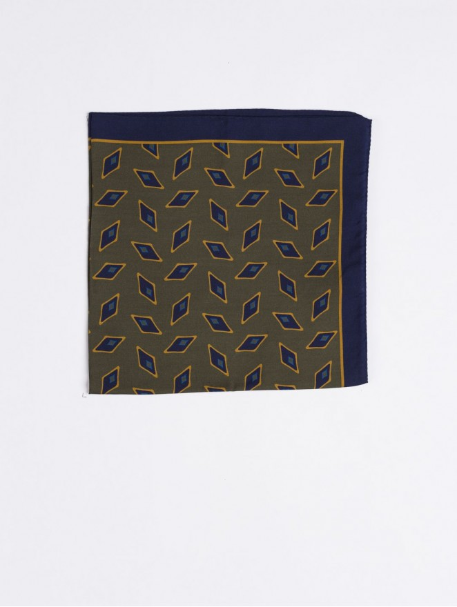 Silk and wool foulard with blue rhombus design