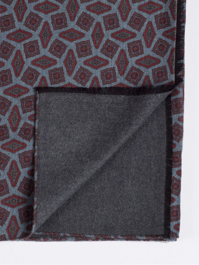 Silk brushed printed scarf double face with bordeaux design - grey back